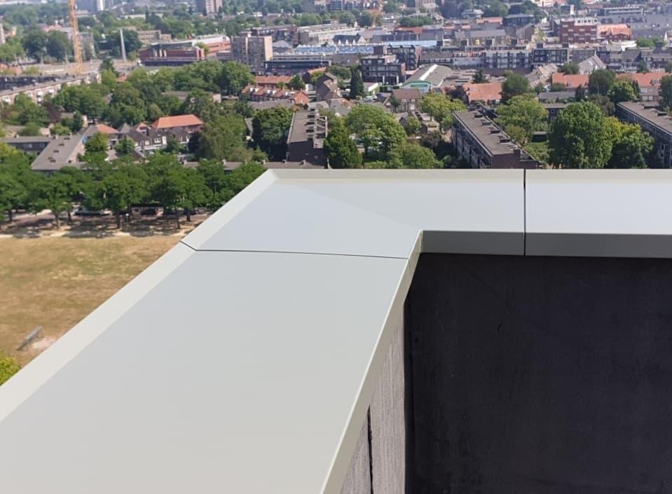 Variëren met aluminium muurafdekkappen